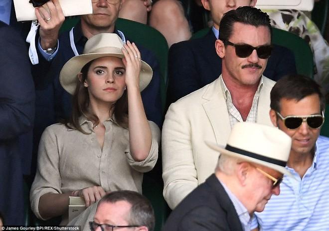Emma Watson xuất hiện cực xinh đẹp, cười đùa thân thiết bên tài tử điển trai - ảnh 3