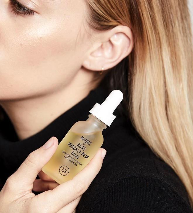 Biết loạt công dụng tuyệt diệu của dầu dưỡng, bạn sẽ muốn thêm ngay vào quy trình chăm sóc da hàng ngày - ảnh 4