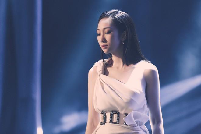 Hậu công khai phẫu thuật thẩm mĩ, Lều Phương Anh tái xuất xinh đẹp trong MV lấy cảm hứng từ Celine Dion - Ảnh 4.