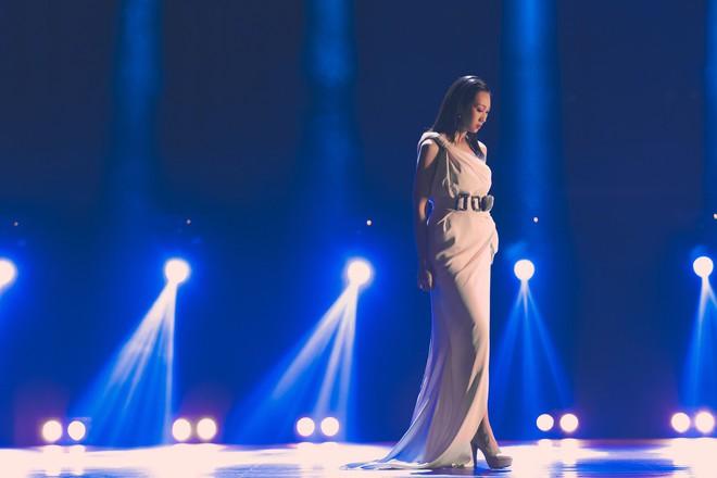 Hậu công khai phẫu thuật thẩm mĩ, Lều Phương Anh tái xuất xinh đẹp trong MV lấy cảm hứng từ Celine Dion - Ảnh 5.