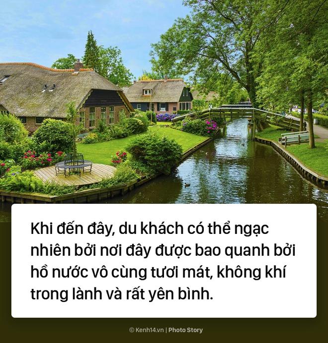 Ngôi làng chẳng có đường ô tô xe máy chỉ được di chuyển bằng thuyền - Ảnh 3.