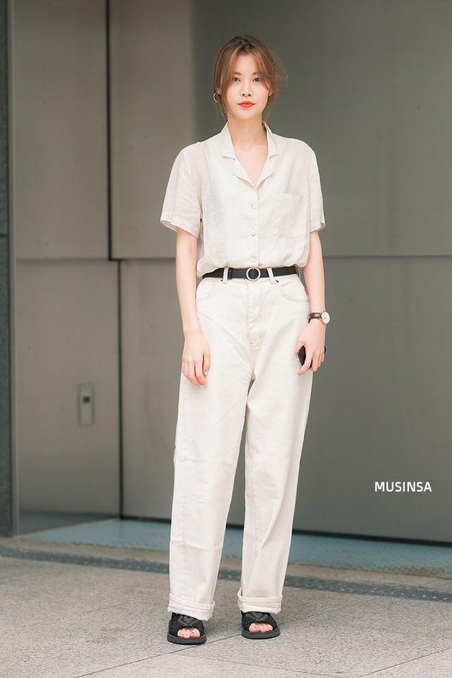Không thời trang phang thời tiết, giới trẻ Hàn diện toàn đồ mát rười rượi mà vẫn đẹp không lối thoát - Ảnh 7.