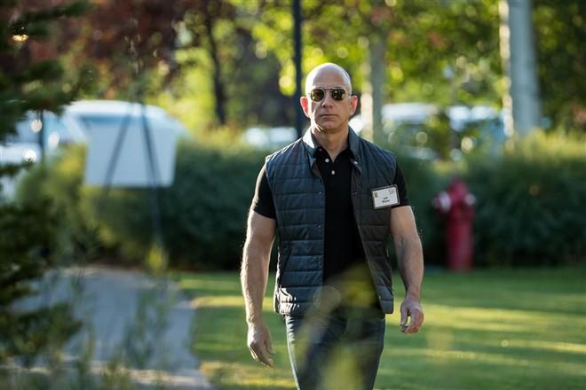 Mới 34 tuổi nhưng Mark Zuckerberg vừa lên trình tỷ phú giàu Top 3 thế giới, chỉ sau Bill Gates và Jeff Bezos - Ảnh 2.