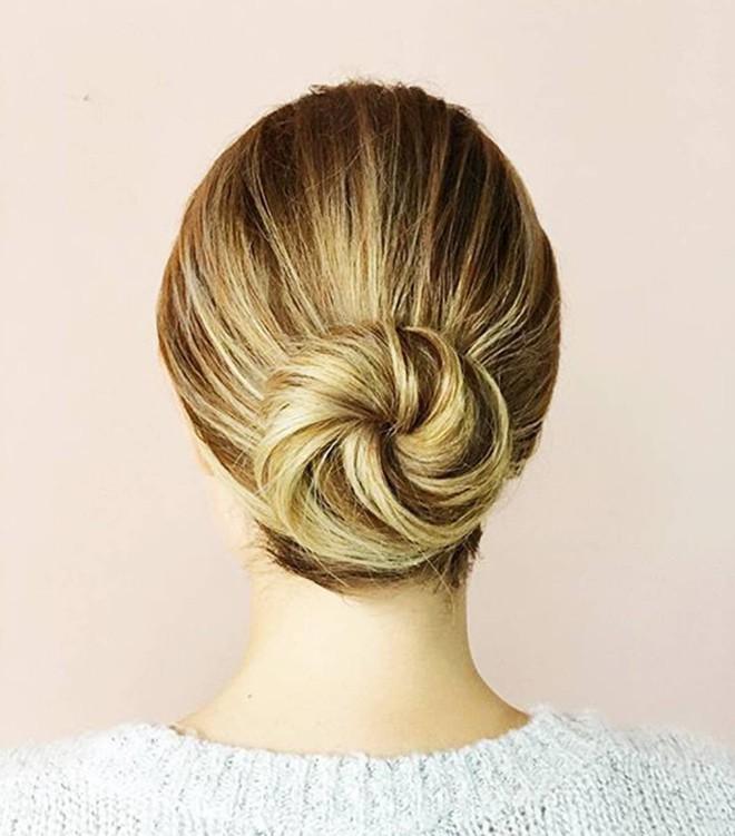 Có tới 13 kiểu tóc búi duyên dáng dành cho nàng tóc mỏng làm điệu mỗi ngày - Ảnh 4.
