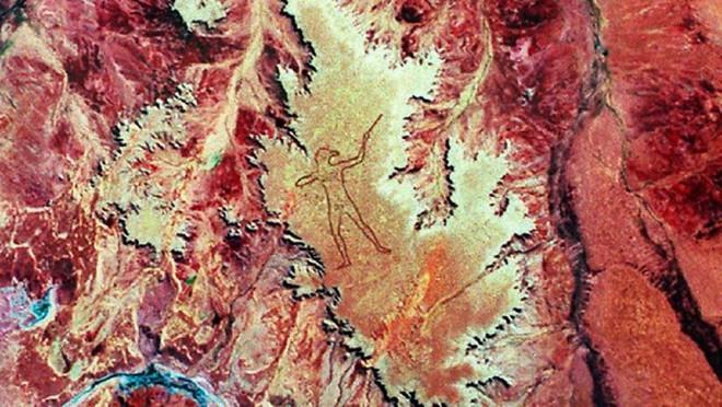 Marree Man - Hình vẽ thổ dân khổng lồ trên sa mạc Úc có thể nhìn thấy từ vũ trụ hơn 20 năm qua vẫn là một câu đố làm các nhà khoa học điên đầu - ảnh 2
