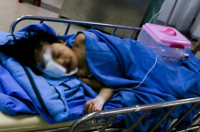 Tai nạn ở Quảng Nam: Bé gái sống sót trên xe rước dâu liên tục gọi mẹ - Ảnh 4.