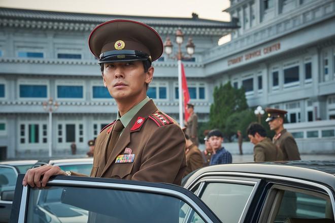 Gần 10 năm hậu scandal, Thái tử Shin đã trở lại thời hoàng kim đầy ngoạn mục! - ảnh 7