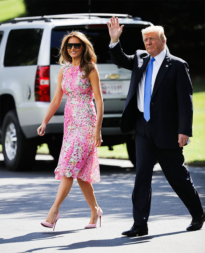 Đệ nhất phu nhân Mỹ và con chồng cùng diện váy hoa nhưng một người chơi lớn chọn váy đắt hơn hẳn 4 lần, bạn có đoán ra ai khôngZZZ - ảnh 3