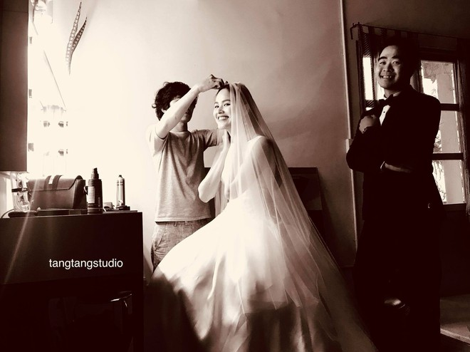 Á quân Next Top Tuyết Lan và hôn phu cười hạnh phúc trong hậu trường chụp ảnh cưới - ảnh 1