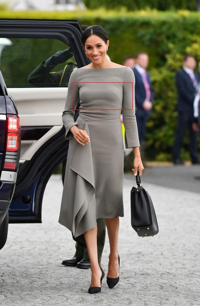 Chỉ mới 3 tháng làm dâu Hoàng gia nhưng Công nương Meghan Markle đã vướng không dưới 5 tranh cãi về trang phục - ảnh 6