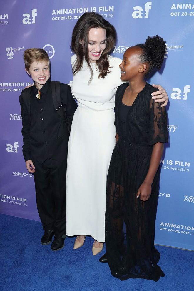 Angelina Jolie có thể mất quyền nuôi con vì nói xấu chồng cũ và ngăn các bé gặp gỡ bố?