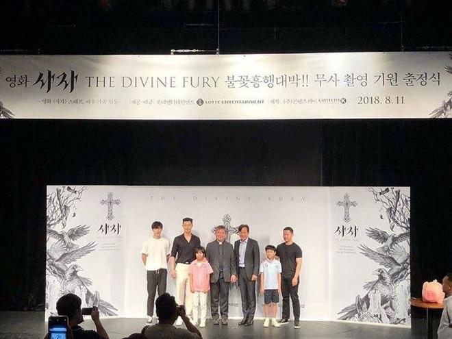 """Park Seo Joon bỗng xuất hiện với vẻ ngoài xuề xòa, luộm thuộm khác hẳn """"Phó chủ tịch"""" bảnh bao ngời ngời trên phim - ảnh 8"""