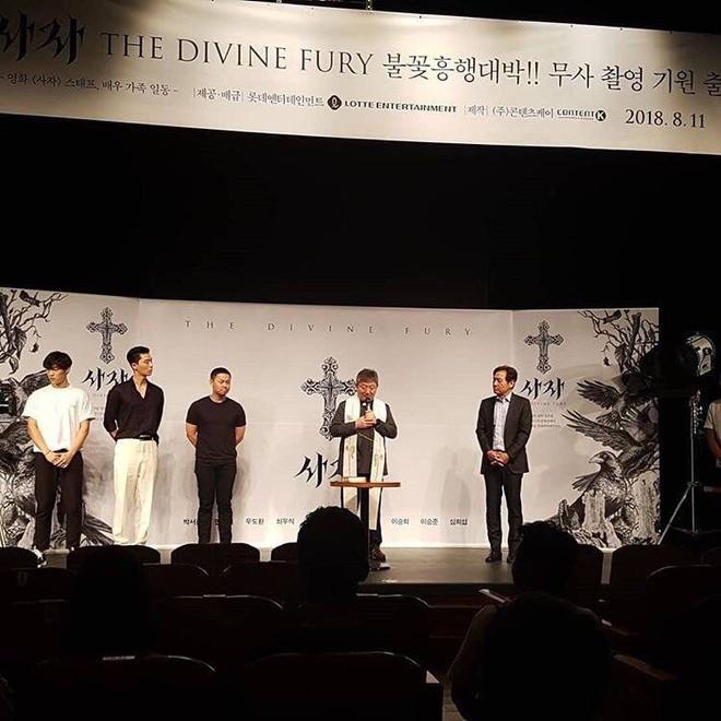 """Park Seo Joon bỗng xuất hiện với vẻ ngoài xuề xòa, luộm thuộm khác hẳn """"Phó chủ tịch"""" bảnh bao ngời ngời trên phim - ảnh 9"""