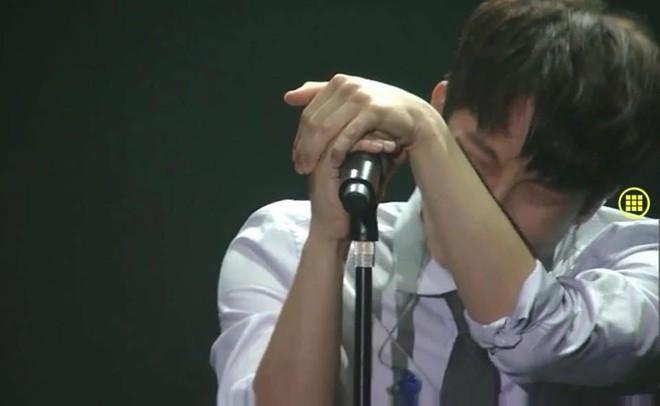 Thủ lĩnh BTOB khóc nức nở tại concert cuối cùng trước thềm nhập ngũ vào cuối tháng - ảnh 3
