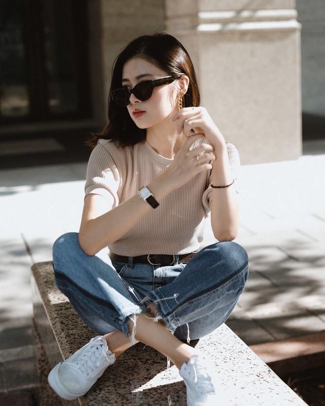 20 gợi ý cho thấy sneakers trắng chính là đôi giày thiên biến vạn hóa đẹp quên sầu với đủ mọi set đồ - ảnh 3