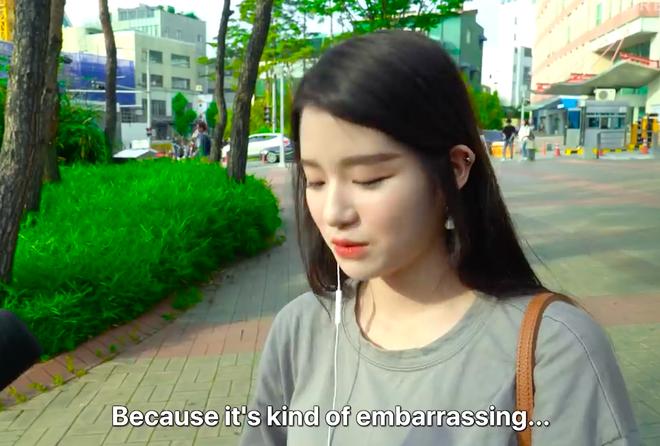 Thử thách tẩy trang nơi công cộng: Xem gái Hàn thu hết dũng khí tự lột trần mình trước đám đông - ảnh 5