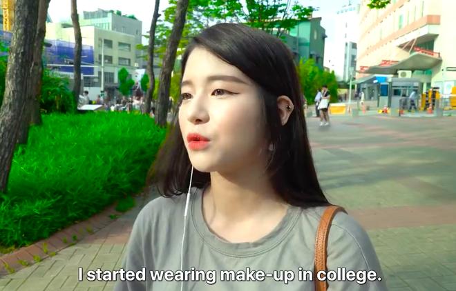 Thử thách tẩy trang nơi công cộng: Xem gái Hàn thu hết dũng khí tự lột trần mình trước đám đông - ảnh 12
