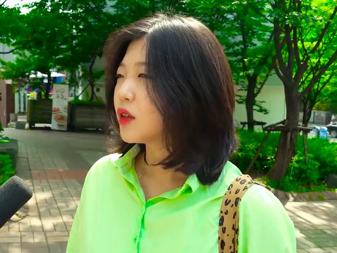 Thử thách tẩy trang nơi công cộng: Xem gái Hàn thu hết dũng khí tự lột trần mình trước đám đông - ảnh 22