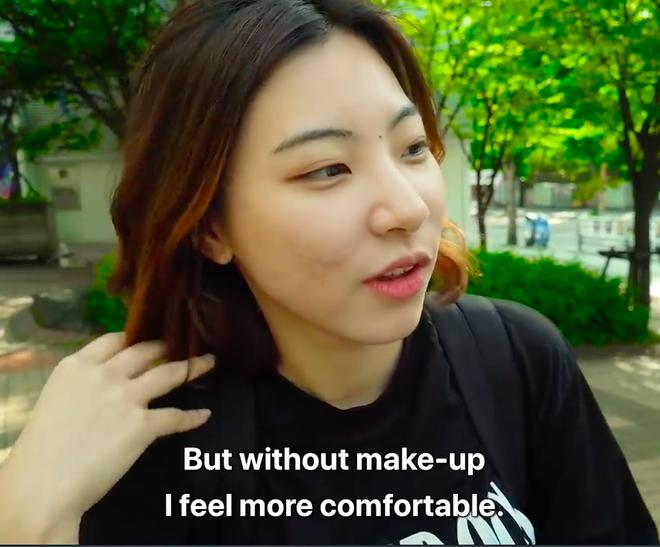 Thử thách tẩy trang nơi công cộng: Xem gái Hàn thu hết dũng khí tự lột trần mình trước đám đông - ảnh 25