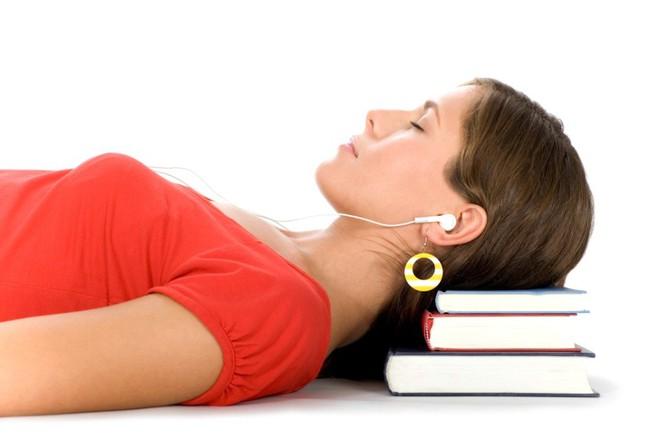 Nghe bài giảng khi ngủ có giúp bạn học thêm được điều gì không? Đáp án đây rồi nhé - ảnh 2