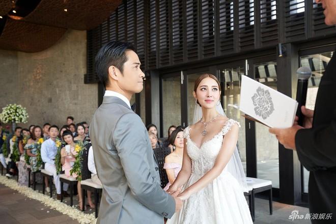 Đám cưới hot nhất Cbiz hôm nay: Trịnh Gia Dĩnh trao nụ hôn ngọt ngào cho bạn gái Hoa hậu trong hôn lễ triệu đô - ảnh 5