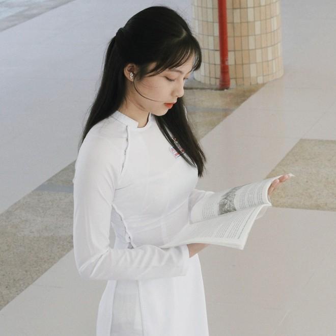 Chưa đến năm học mới, thiếu nữ Đà Nẵng đã gây sốt với bức ảnh diện áo dài xinh đẹp hơn nắng mai - ảnh 3