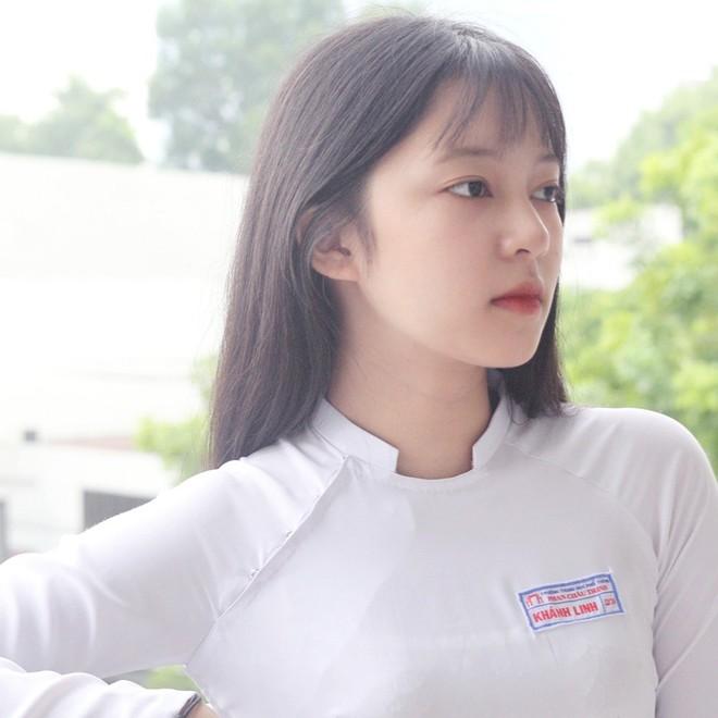 Chưa đến năm học mới, thiếu nữ Đà Nẵng đã gây sốt với bức ảnh diện áo dài xinh đẹp hơn nắng mai - ảnh 2