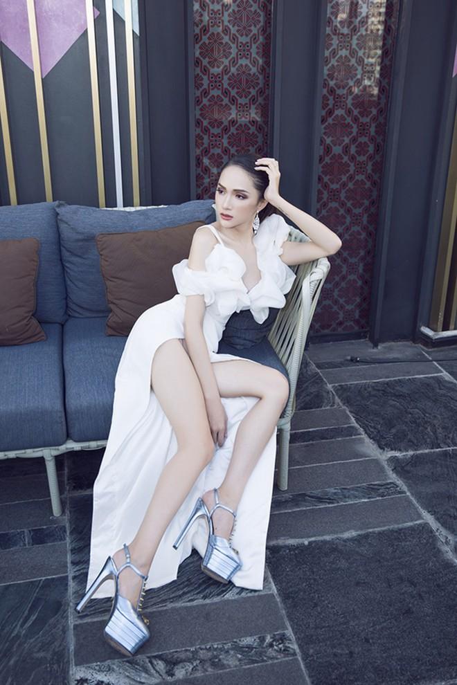 Cao thủ đi giày siêu cao gót của showbiz Việt chắc hẳn là Hương Giang chứ không phải ai khác - ảnh 4