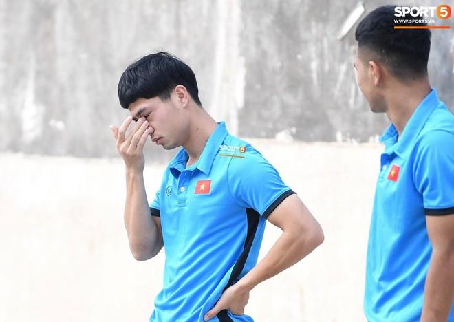Olympic Việt Nam phải tập cạnh mương, cống thoát nước thải - ảnh 6