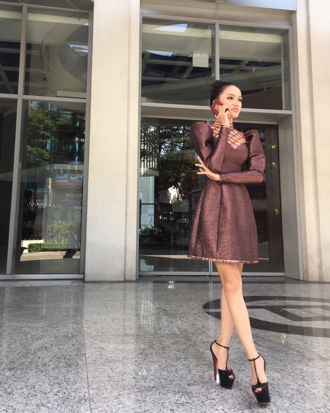 Cao thủ đi giày siêu cao gót của showbiz Việt chắc hẳn là Hương Giang chứ không phải ai khác - ảnh 9