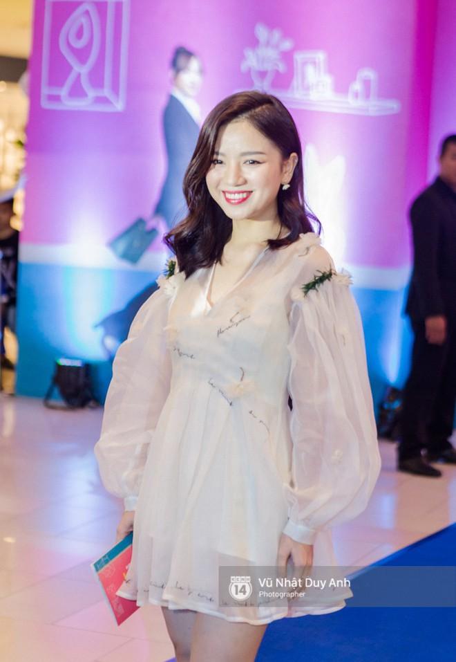 Chàng vợ Thái Hòa hóa soái ca, cạnh tranh nhan sắc với Hứa Vĩ Văn tại đêm ra mắt phim mới - ảnh 16