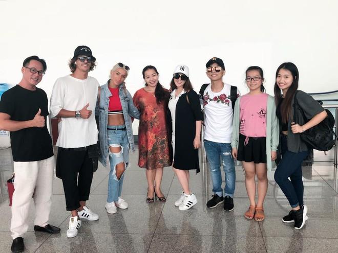"""Khánh Thi cùng ông xã Phan Hiển """"trốn con"""" xuất ngoại tham gia giải đấu mới sau hơn hai tháng sinh nở - ảnh 4"""