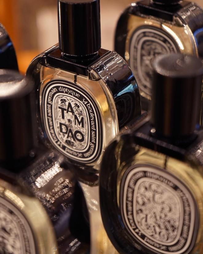 Nếu mê nước hoa, bạn nhất định nên biết về Diptyque - thương hiệu Pháp đứng sau 2 chai nước hoa Đồ Sơn, Tam Đảo siêu hot đợt này - ảnh 4