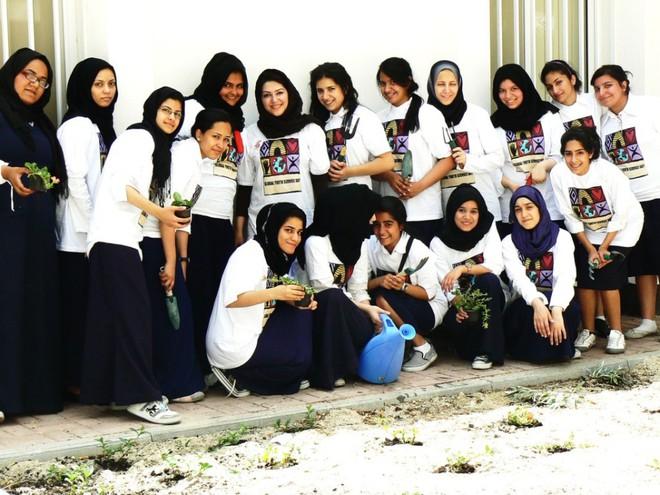 Những điều thú vị về giáo dục của Bahrain, quốc gia vừa bị tuyển Việt Nam đánh bại: Đi học miễn phí, nam nữ trong trường tách riêng - Ảnh 7.