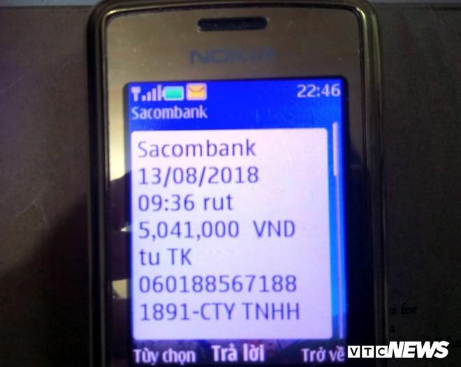 Chủ tài khoản Sacombank mất sạch tiền dù thẻ ATM vẫn còn bên người - ảnh 1