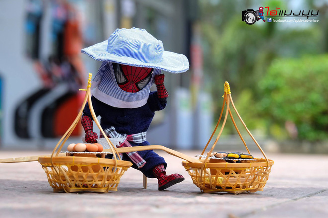 Góc mưu sinh: Khi Spider-Man cũng phải bươn chải đủ nghề từ cửu vạn tới bán hàng rong để kiếm sống - Ảnh 8.