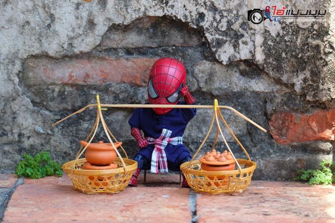 Góc mưu sinh: Khi Spider-Man cũng phải bươn chải đủ nghề từ cửu vạn tới bán hàng rong để kiếm sống - Ảnh 9.