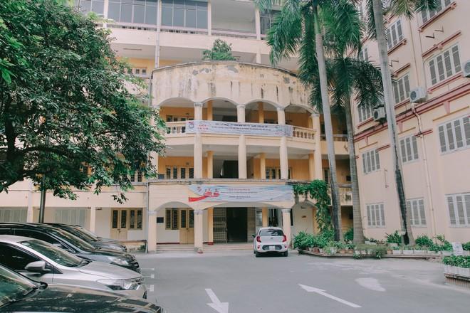 Ở Hà Nội có 1 ngôi trường mà đến cái thùng rác cũng là 1 góc sống ảo so deep - Ảnh 22.