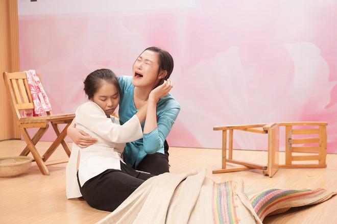Vợ chồng Cẩm Ly bất ngờ xuất hiện tại vòng sơ khảo tài năng của thí sinh Hoa hậu Việt Nam 2018 - Ảnh 6.