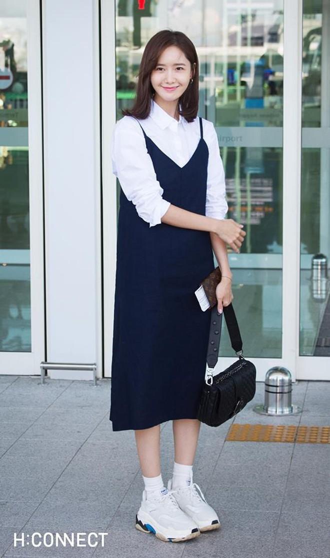 """Đều đã U30 nhưng những sao Hàn này vẫn có cách """"hack tuổi"""" cực hay chỉ bằng trang phục - ảnh 20"""