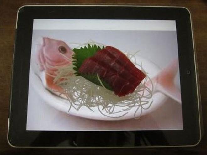 Nhà hàng 3 sao Michelin dùng iPad để đựng món ăn thật, vừa ăn vừa xem hoạt hình ngay bên dưới - ảnh 3