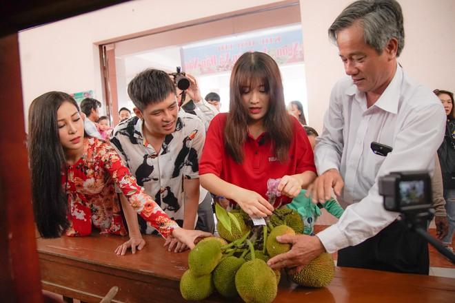 Gin Tuấn Kiệt bất ngờ trước độ am hiểu của Han Sara về ẩm thực Việt Nam - Ảnh 3.