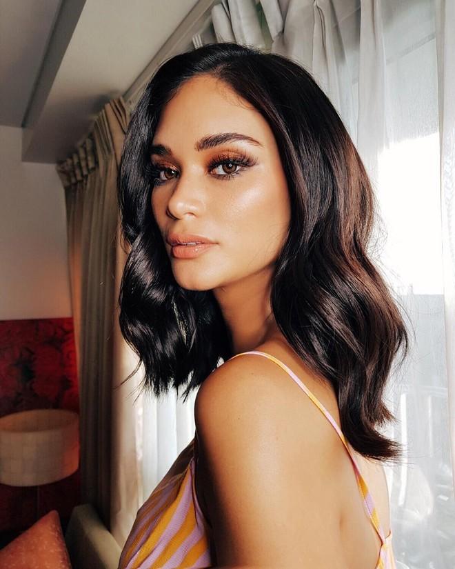 Sau 3 năm đăng quang, Hoa hậu Hoàn vũ Pia ngày càng gợi cảm cùng gu thời trang đẹp xuất sắc - ảnh 2