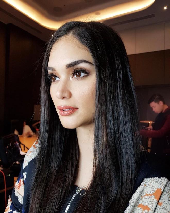 Sau 3 năm đăng quang, Hoa hậu Hoàn vũ Pia ngày càng gợi cảm cùng gu thời trang đẹp xuất sắc - ảnh 3
