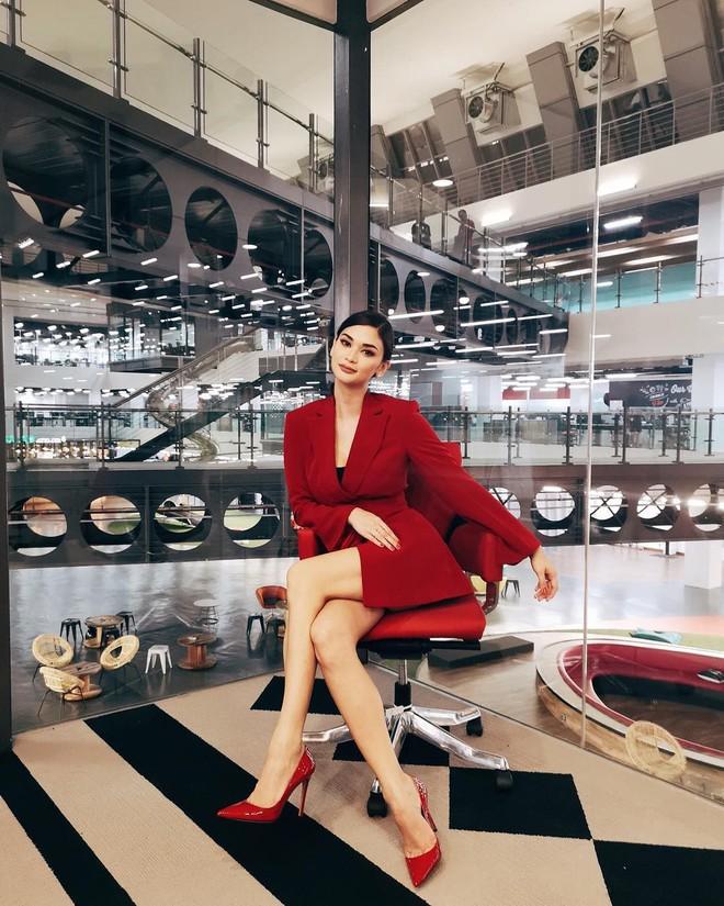 Sau 3 năm đăng quang, Hoa hậu Hoàn vũ Pia ngày càng gợi cảm cùng gu thời trang đẹp xuất sắc - ảnh 30