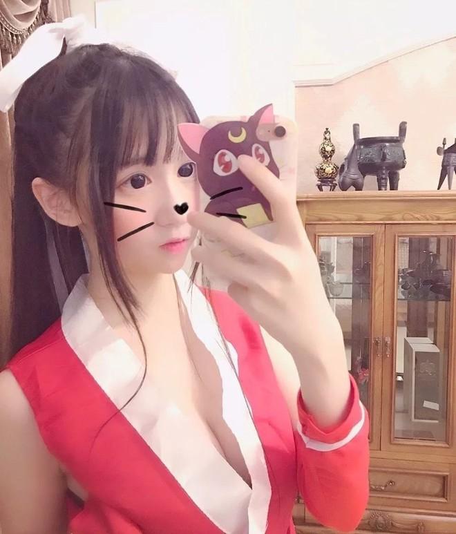 Hot girl Tik Tok Trung Quốc nửa triệu followers bị bóc mẽ mặt giả, gia thế giả - Ảnh 1.
