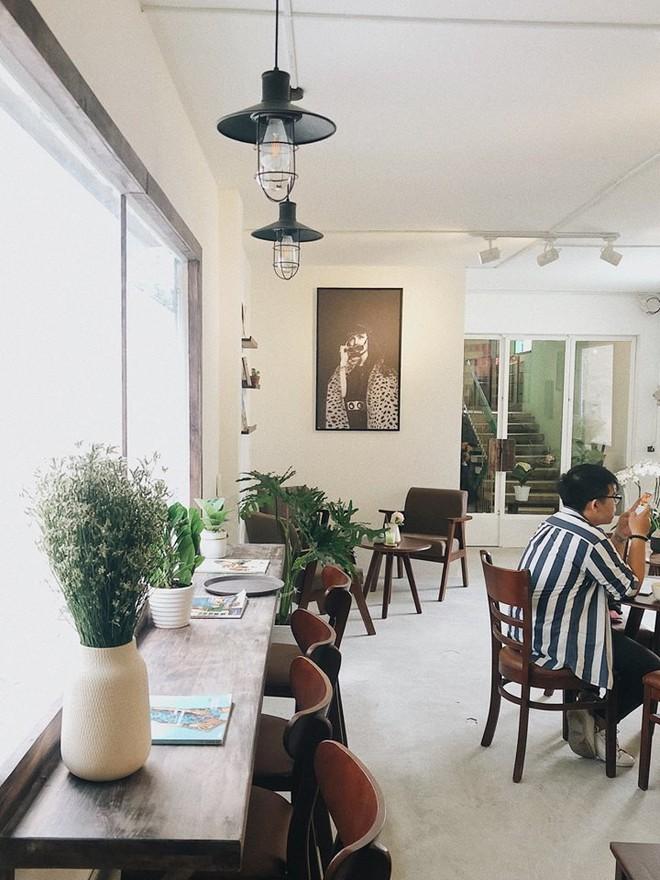 Chỉ trong 1 tuần, Sài Gòn đã có 3 quán cà phê mới và quán nào cũng siêu đẹp! - ảnh 21