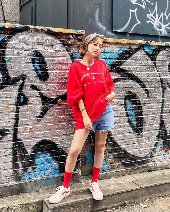 Đây là công thức mặc đồ basic mà chất, từ học sinh cho đến fashionista đều mê mẩn - ảnh 4