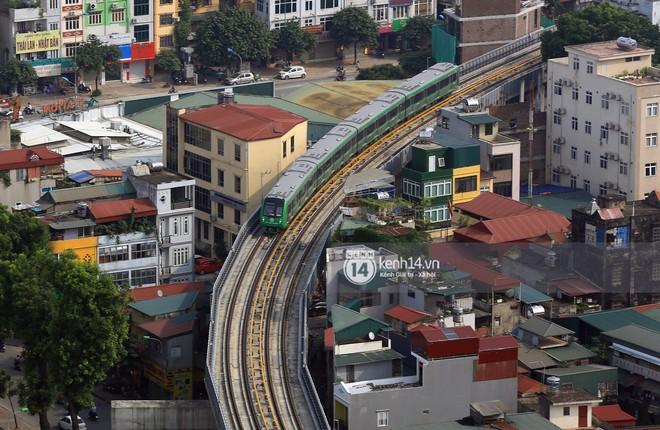 Clip: Hành trình 15 phút đoàn tàu đường sắt trên cao lao vun vút từ ga Cát Linh tới Yên Nghĩa - Ảnh 14.