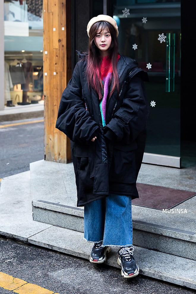 Giới trẻ Hàn chứng minh có nhồi nhiều quần áo đến mấy, chỉ cần biết cách thì outfit vẫn đẹp ngất như thường - ảnh 11